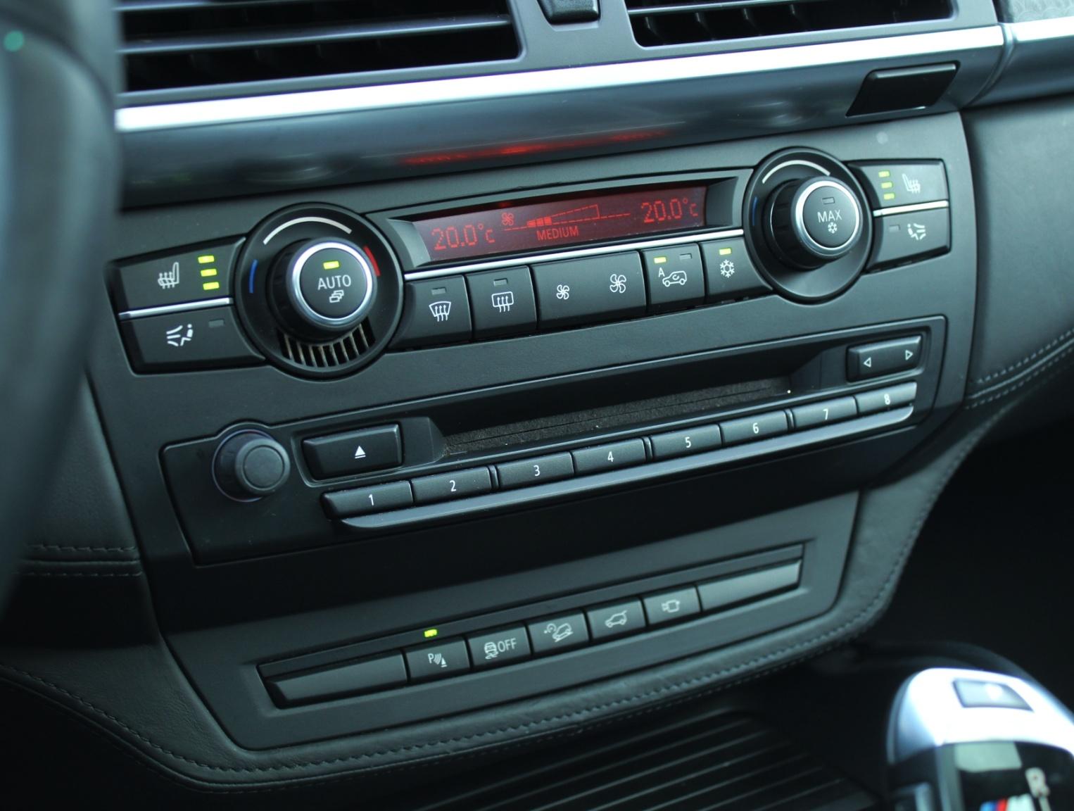 BMW-X6-15
